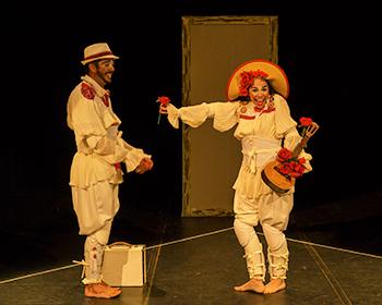 Abrazo(Grupo de Teatro Clowns de Shakespeare-Natal/RN) (INTEIRA)